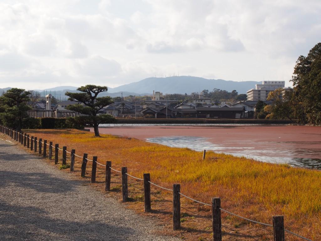 垂仁天皇陵付近から生駒山方面を望む