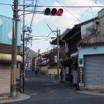 福智院町バス停付近の町並み