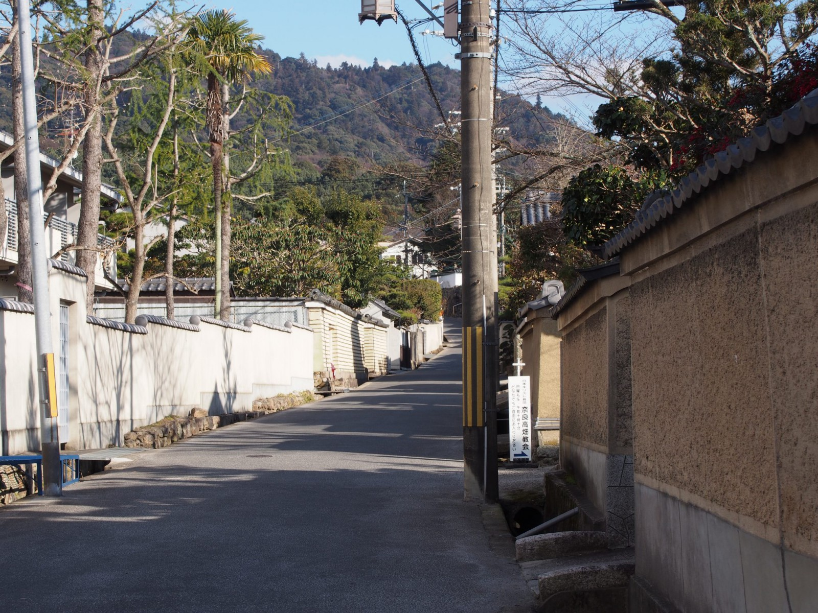 かつての社家町の面影を残す高畑界隈