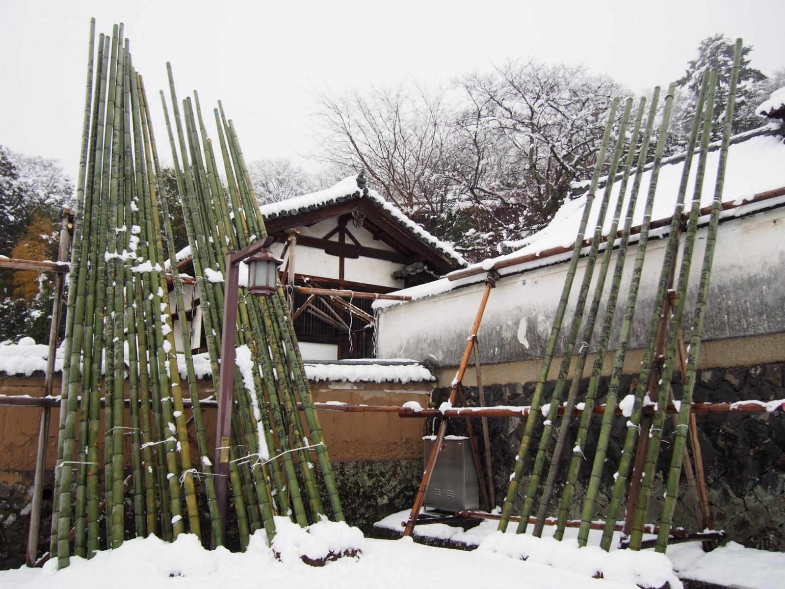 二月堂・お松明の竹