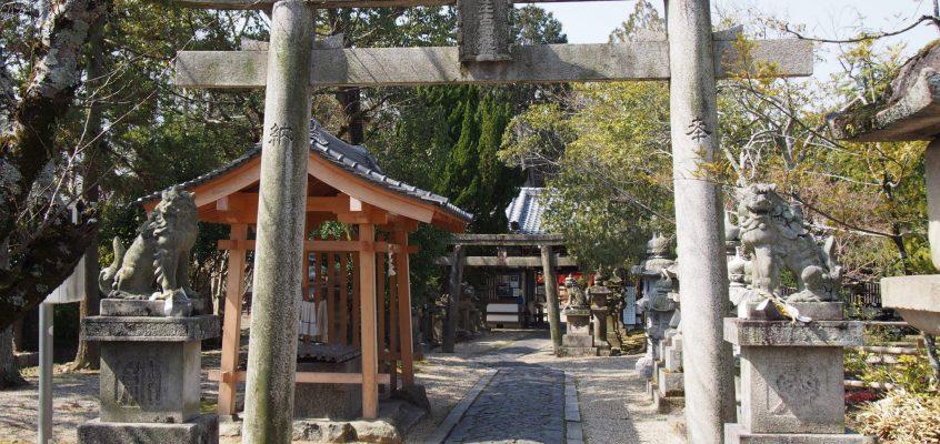 【奈良豆比古神社】「翁舞」や「クスノキ」で有名なきたまちエリアを代表する神社