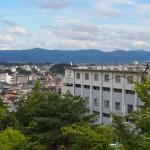 富雄団地から大和青垣を望む