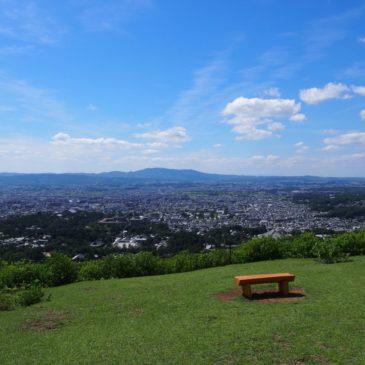 【若草山】「山焼き」で有名な奈良を代表する観光名所(みどころ・入山料金・ルート・アクセスなどを解説)