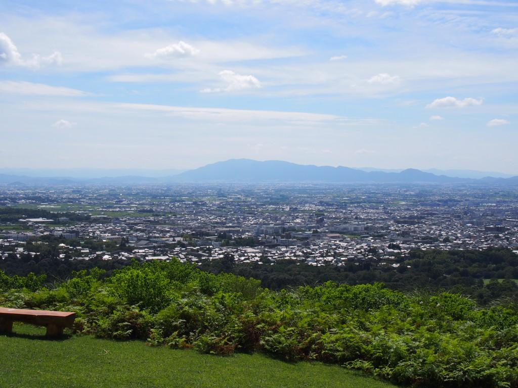 若草山一重目から奈良盆地・金剛山方面への眺望