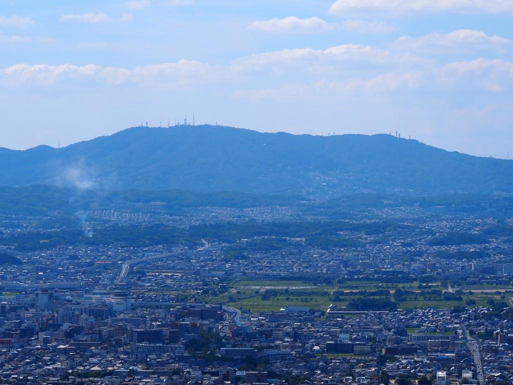 若草山から望む生駒山