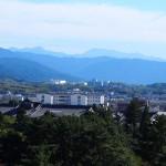 奈良県庁屋上から大峰山地を望む