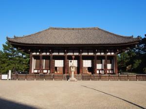 【興福寺】奈良時代の雰囲気を伝える「東金堂」ってどんなところ?【仏像多数】