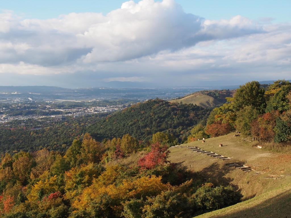 高円山から若草山・京都方面を望む