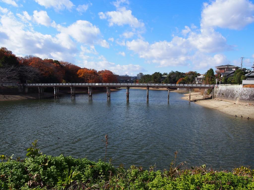 【奈良】日本最古のダムと言われる「蛙股池(かえるまたいけ)」ってどんなところ?【あやめ池駅】