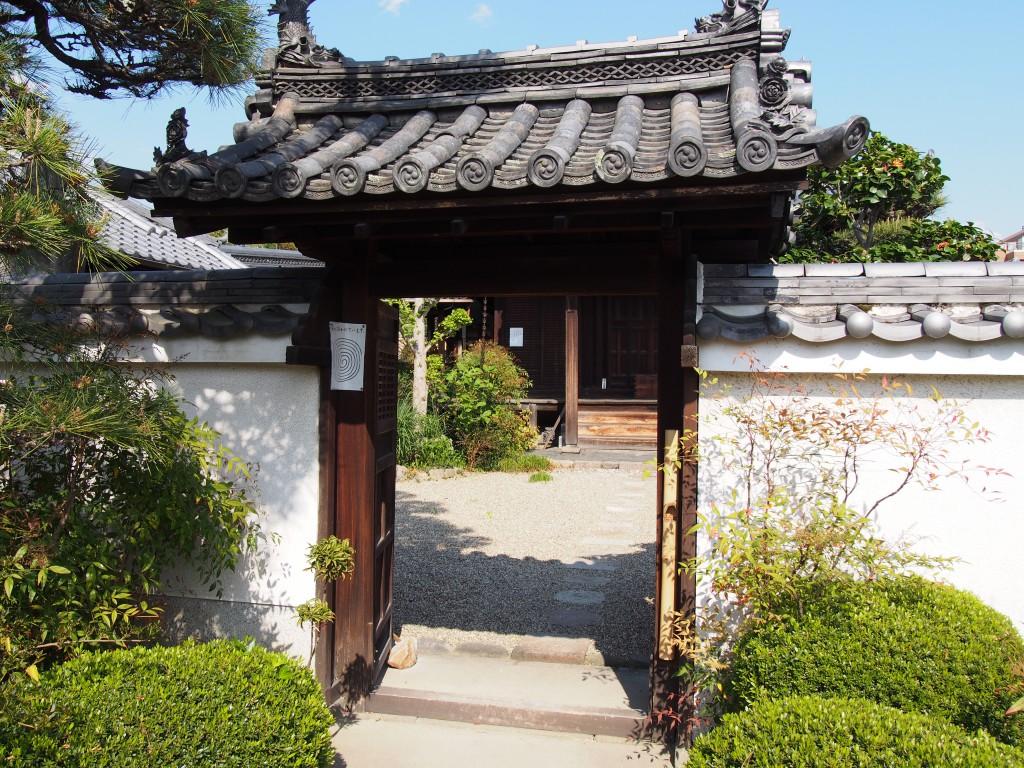 璉珹寺(れんじょうじ)の入り口