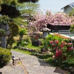 元興寺塔跡入り口付近の風景