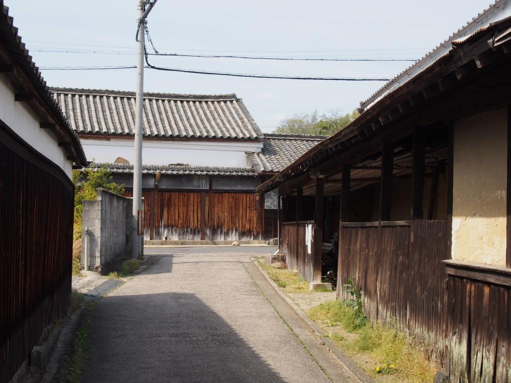 古き良き「農家」建築が見られる佐紀神社周辺