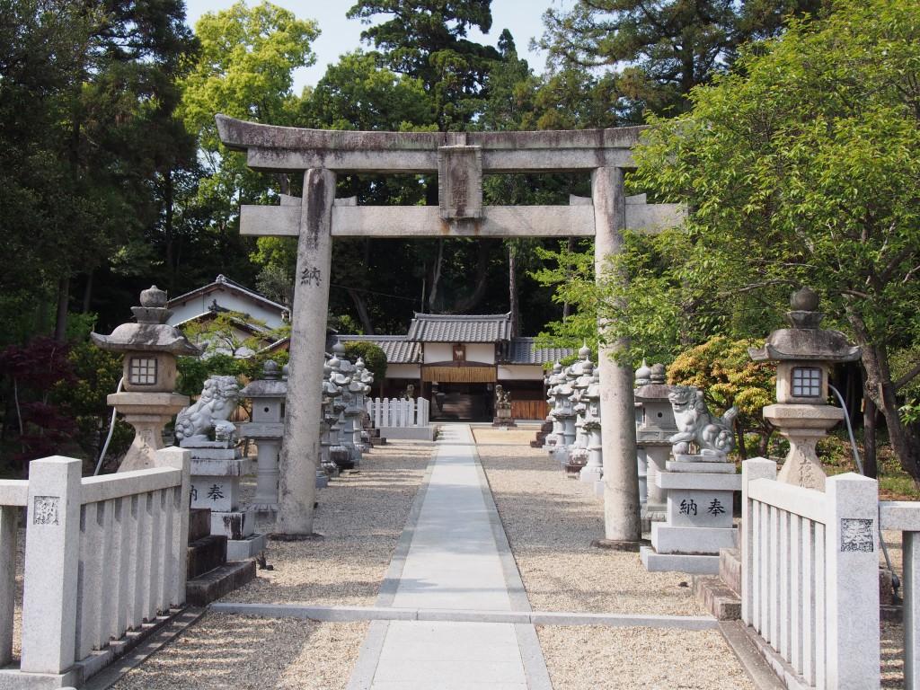 【奈良・佐紀路】秀吉ゆかりの杉のある「山上八幡神社」ってどんな神社?境内を写真でご紹介!
