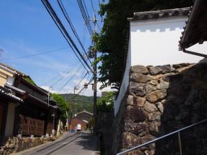 【奈良】春日大社の神官たちが住んでいた「高畑(社家町)の町並み」を写真でご紹介!【土塀】
