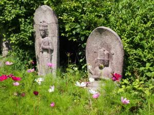 【般若寺三十三所観音石像】お堂を取り囲むやさしい石仏達に癒される