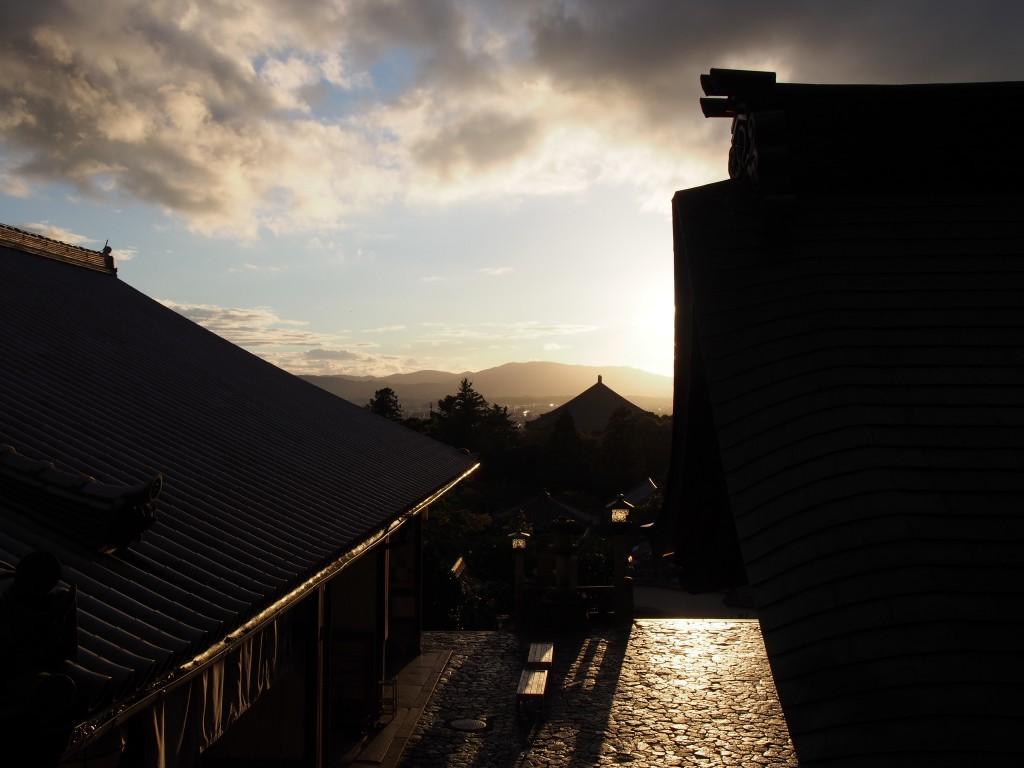 二月堂近くから大仏殿方面を望む風景