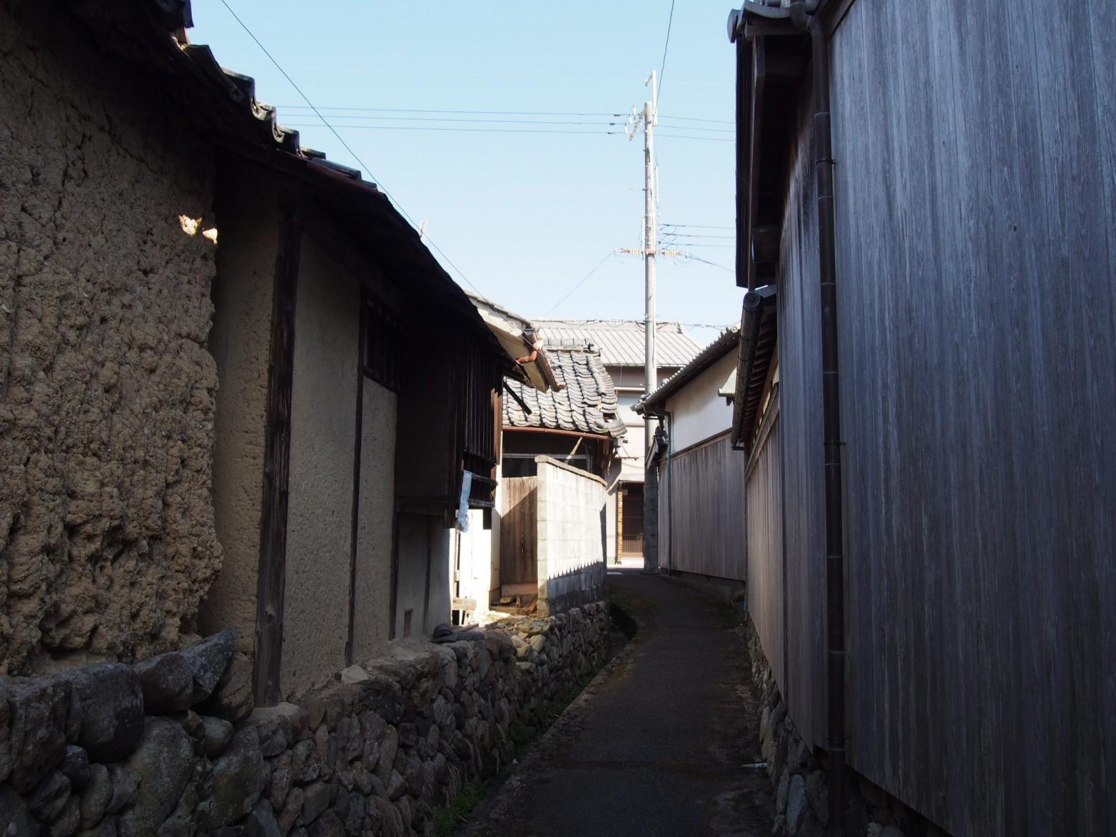 帯解駅周辺の路地