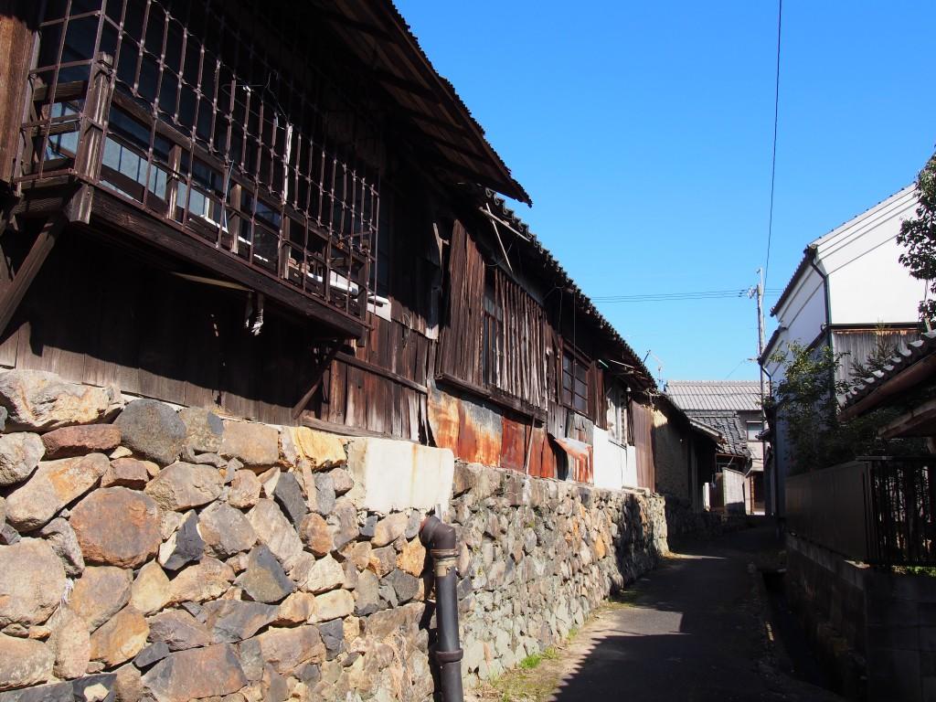【帯解寺周辺の町並み】「上街道」沿いの宿場の名残が感じられる風景が広がる