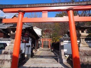 【ならまち】圧倒的な紅葉に包まれる「瑜伽神社」ってどんなところ?紅葉の風景を写真でご紹介!