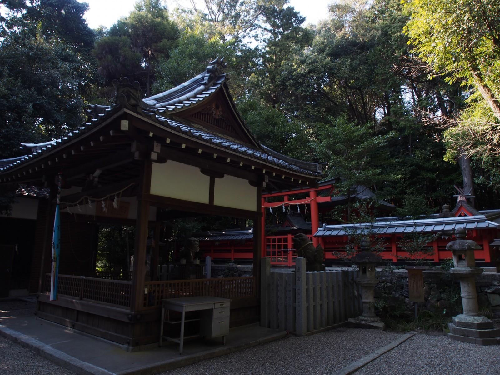 狭岡神社の社殿