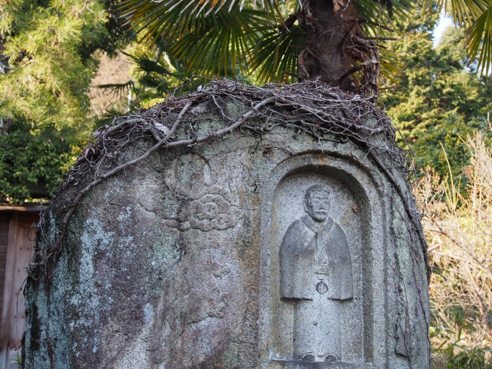 吉村長慶自身の彫像