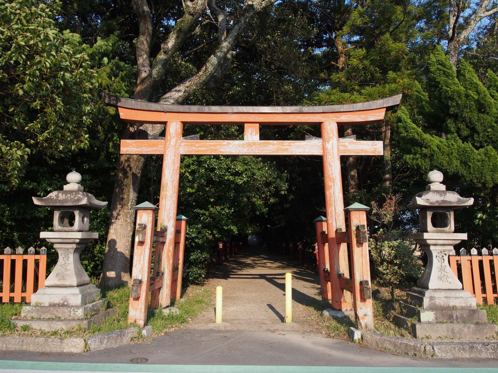 八幡神社(大安寺)の鳥居