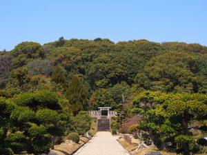 【聖武天皇陵・光明皇后陵】奈良時代を象徴する天皇・皇后の御陵