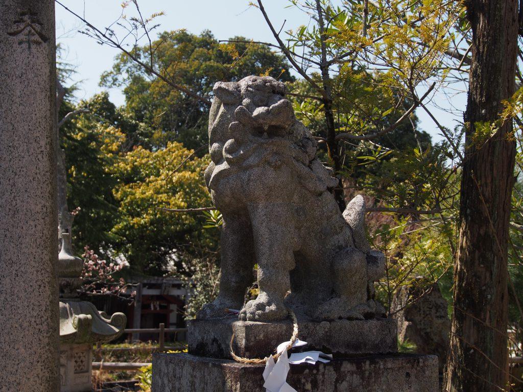 奈良豆比古神社の狛犬