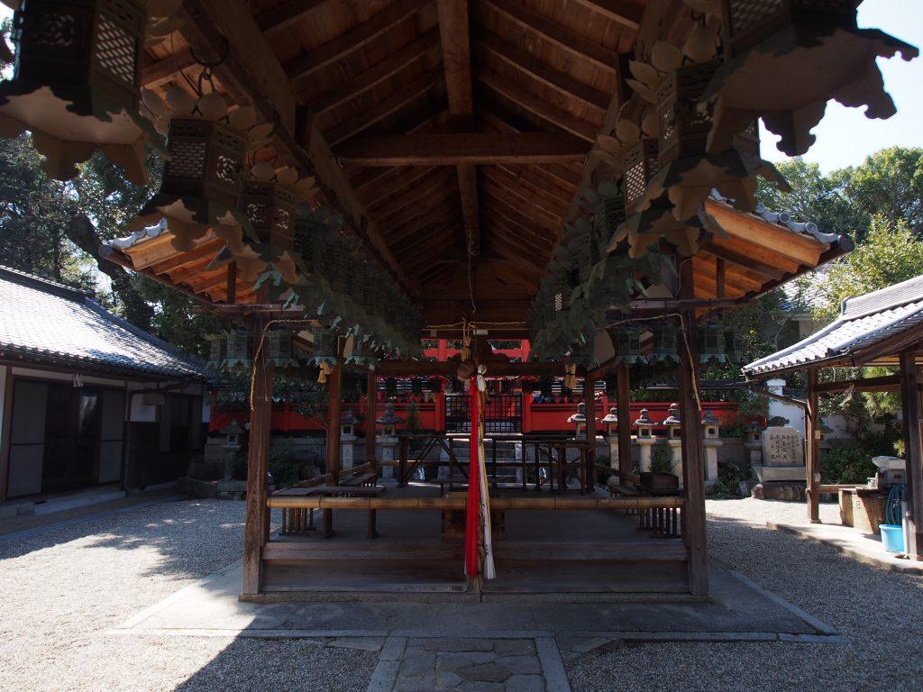 奈良豆比古神社の社殿