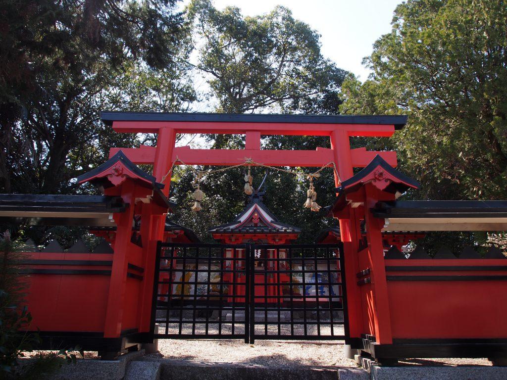 奈良豆比古神社の「本殿」
