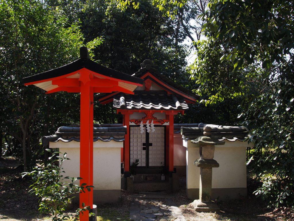 石瓶神社(奈良豆比古神社)