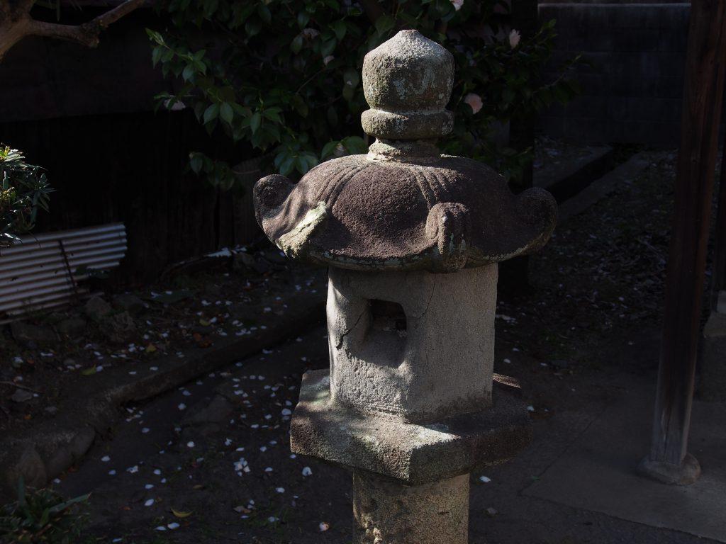厳島神社(ならまち)の燈籠