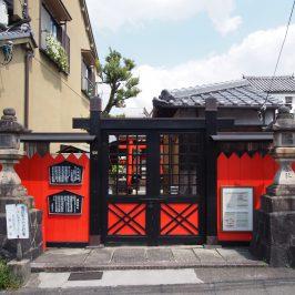 住吉神社を正面から望む