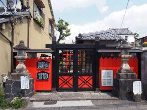 【ならまち】小さな境内に長い歴史を背負う「住吉神社」ってどんなところ?【元興寺】
