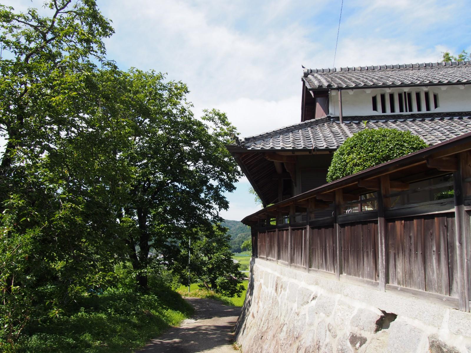 阪原集落の日本家屋