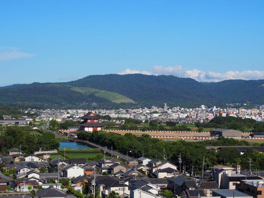 【奈良ファミリー屋上】平城宮跡や若草山方面を一望する穴場スポット