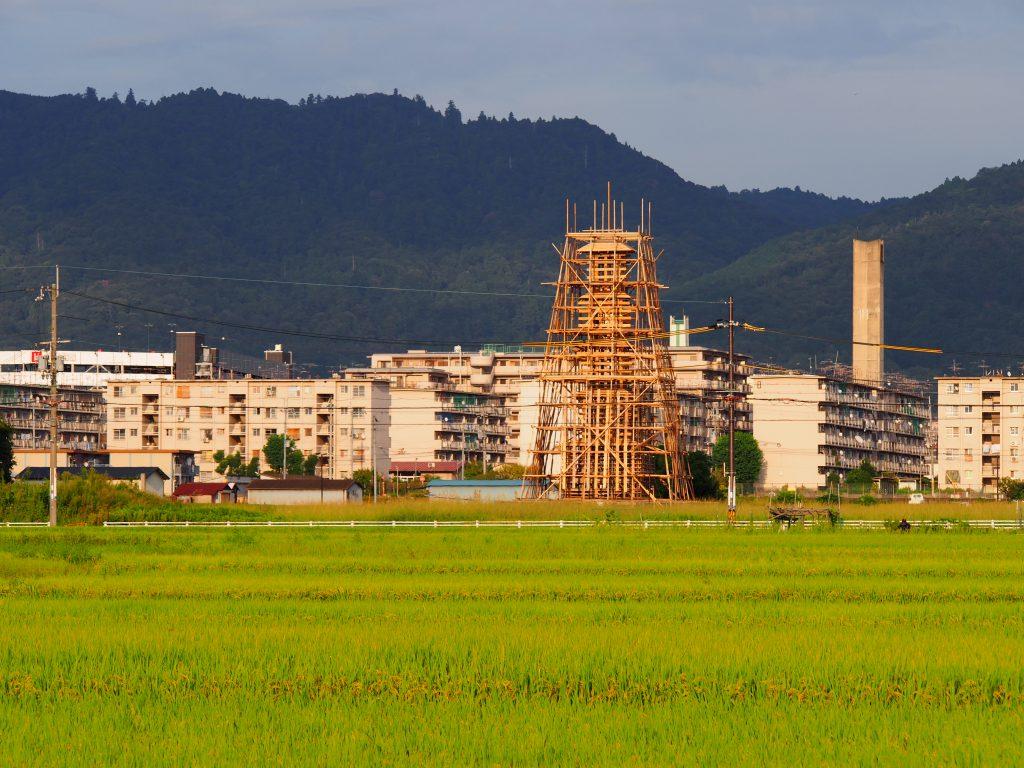 大安寺周辺で開催の現代アートイベントと田園風景