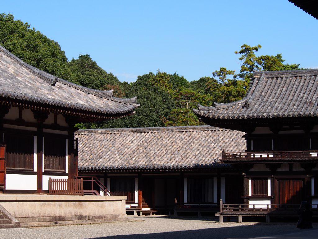 講堂・鼓楼の奥に見える礼堂