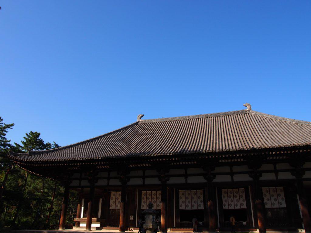 金堂(唐招提寺)を間近から望む