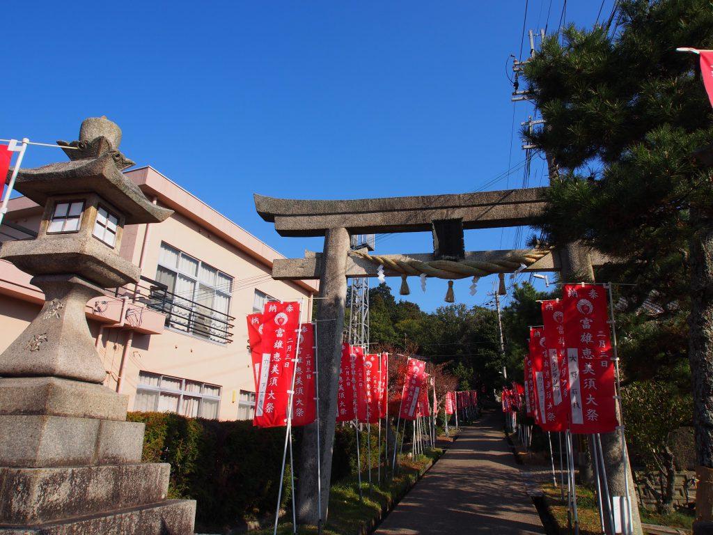 添御県坐神社の入り口・参道
