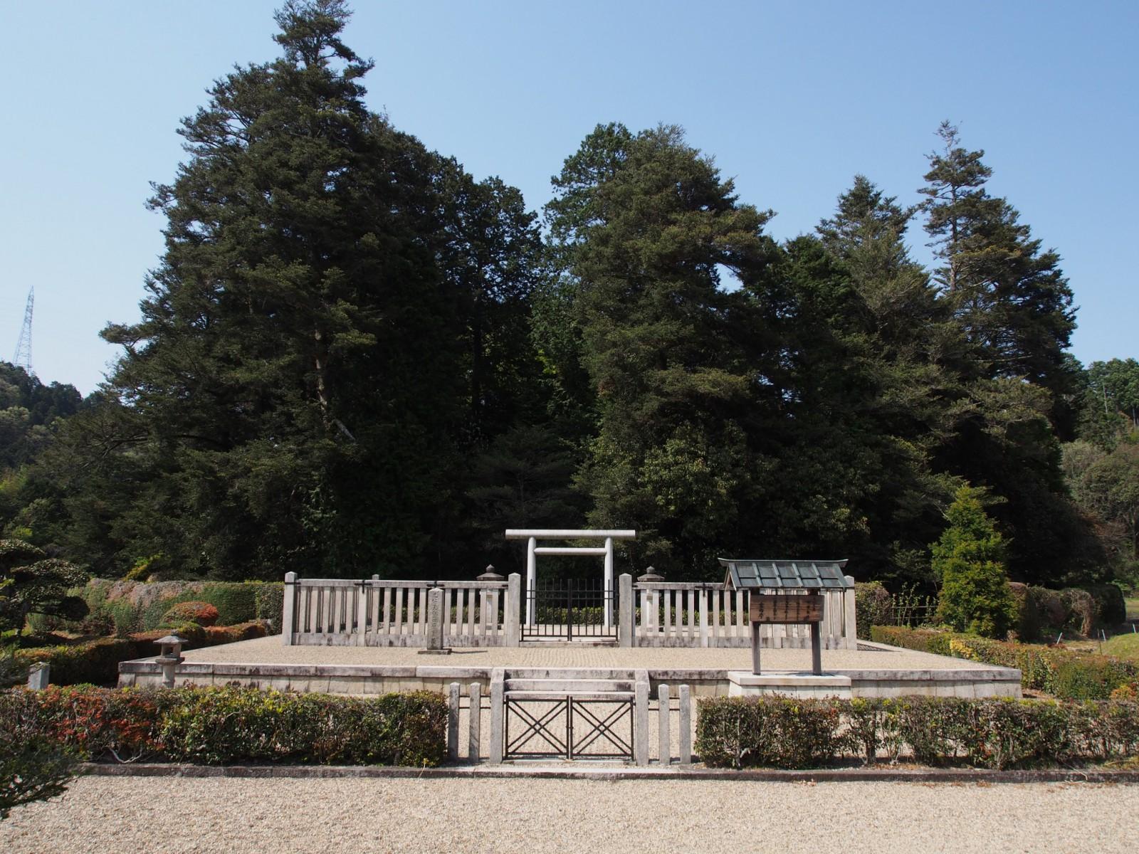 光仁天皇陵(田原の里)