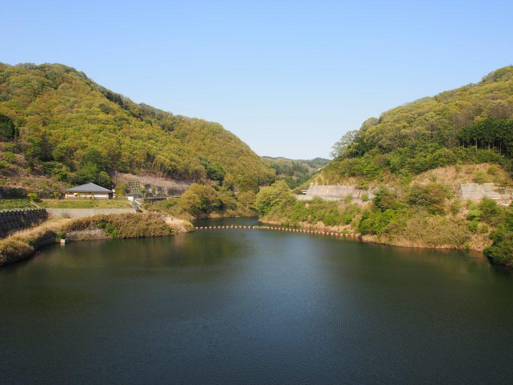 【奈良】市街地に近く眺めのよい「岩井川ダム」ってどんなところ?【ダムカード】