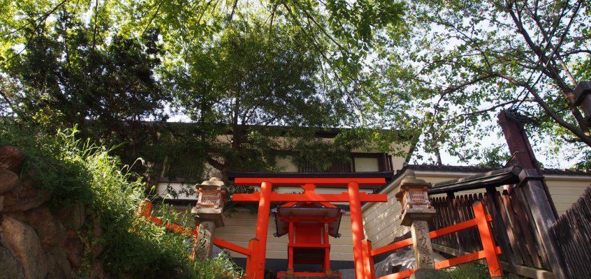 【手力雄神社】三条通り沿いに設けられた春日大社末社
