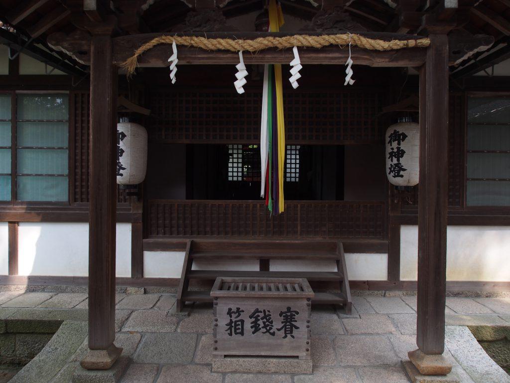 孫太郎稲荷神社の社殿