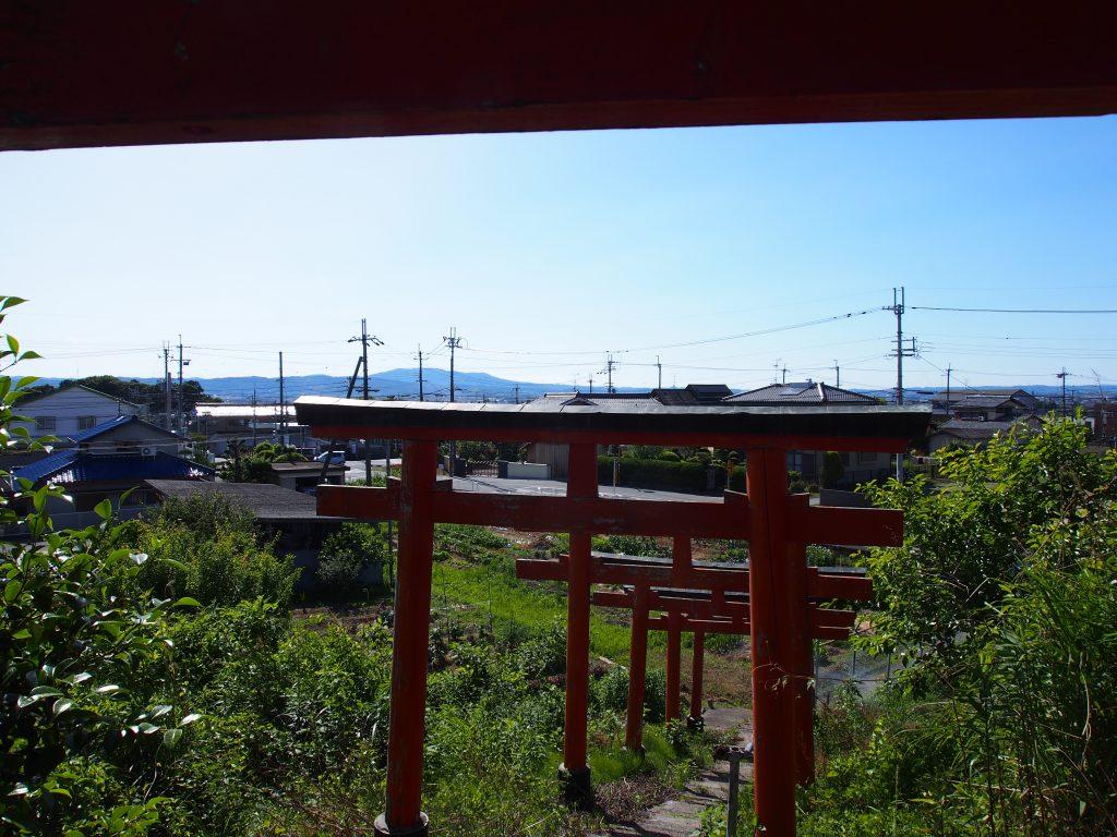 ベンショ塚古墳(森常稲荷神社)の石段