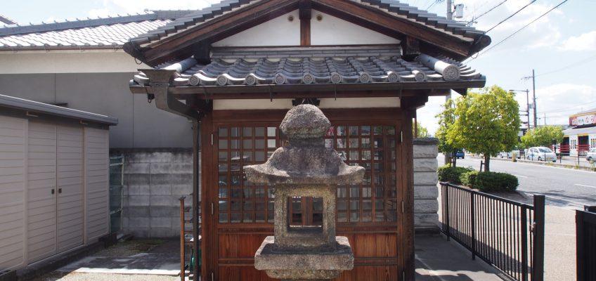 尼ヶ辻地蔵石仏