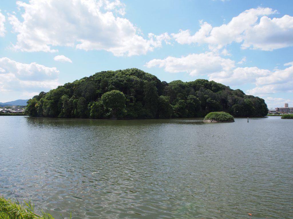 垂仁天皇陵の水辺
