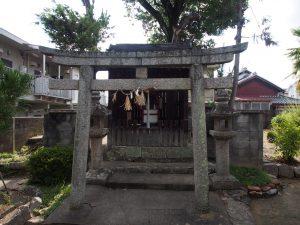 【奈良・西大寺】石仏と桜が美しい「野神神社」ってどんなところ?写真で境内をご案内!