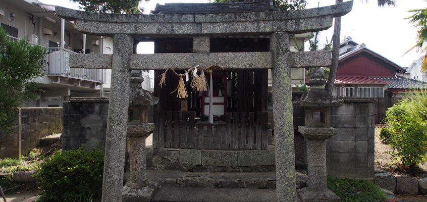 【野神神社】西大寺近くの「石仏」と「桜」が美しい小さな神社