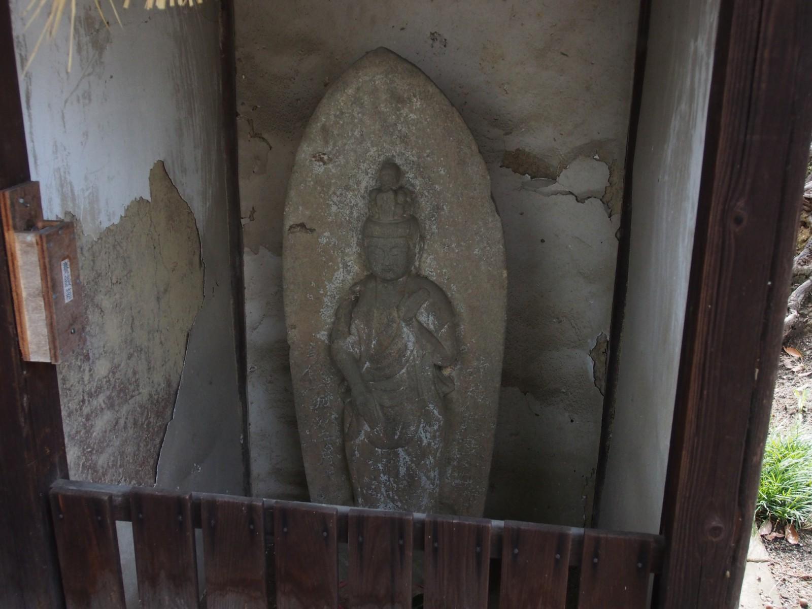 野神神社の「石仏」